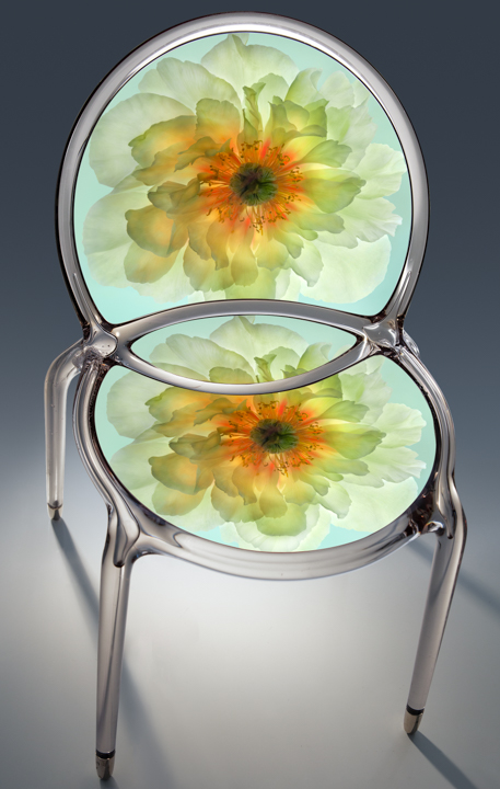 02_luminescentgoldenpeony_chair